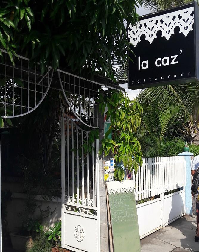 Accueil chaleureux et une vraie cuisine créole au Port | La Caz'